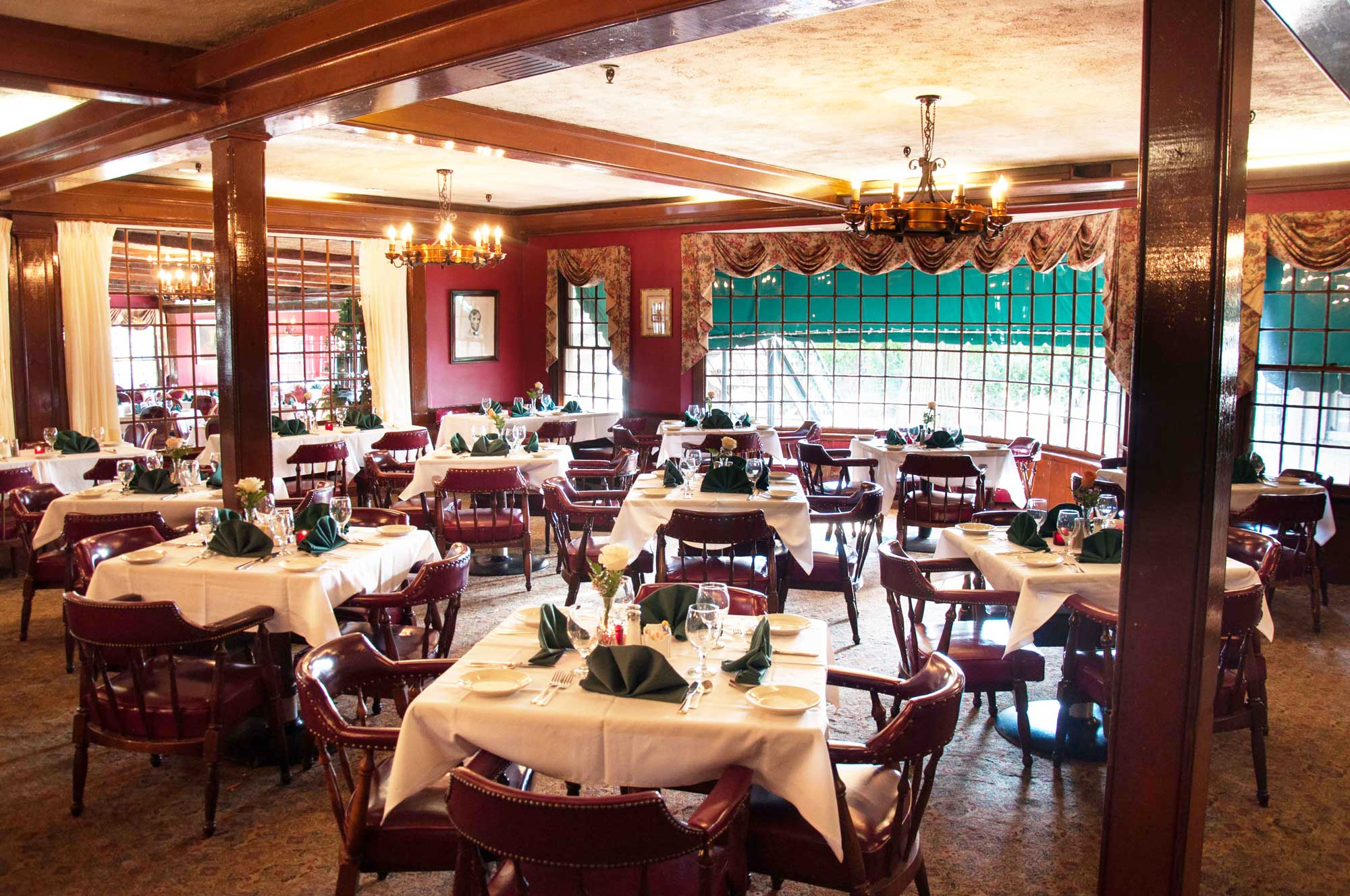 meeting restaurant room The historic hotel roanoke boasts some of downtown roanoke's most charming fine dining establishments, the regency room and the pine room.